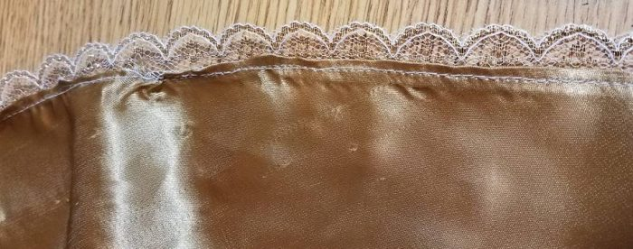 gold lace edging