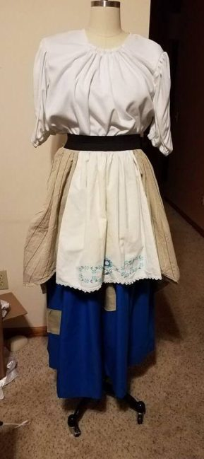 apron/overskirt combination in place