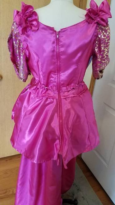 back zipper, pink transforming dress for Cinderella