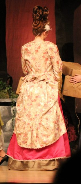 back of Gabrielles dress