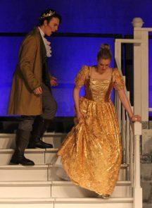 leaving the banquet, Cinderella