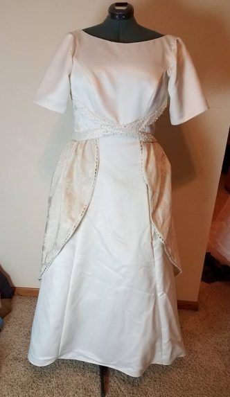tablecloth overskirt