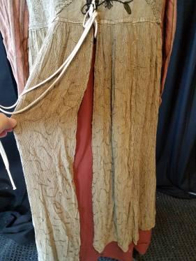 front skirt slit