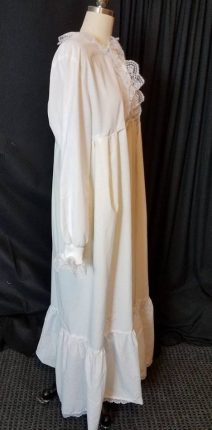 scrub jacket nightgown, side detail