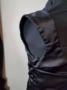 wide shoulder straps